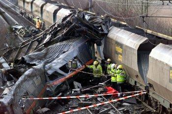 50selby_train_disaster.jpg